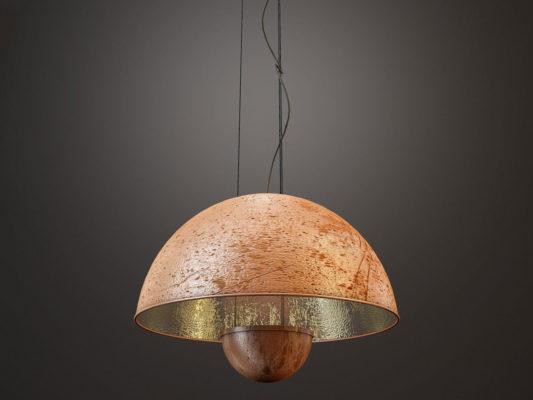 corp de iluminat cu design industrial