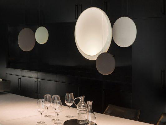Lampi suspendate moderne cu LED - Cosmos, Vibia.