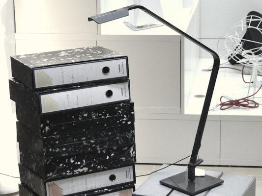 lampa de birou din aluminiu
