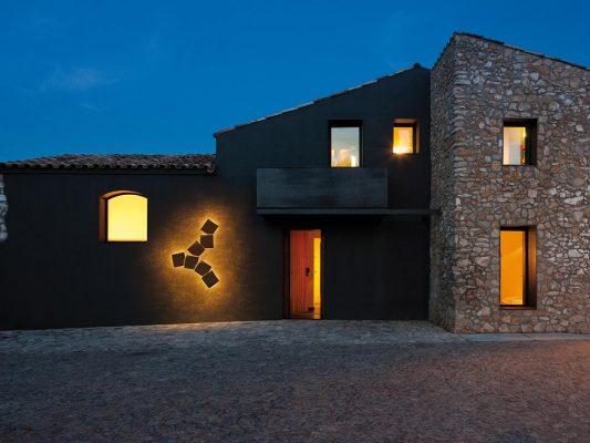 Iluminat decorativ fatada casa