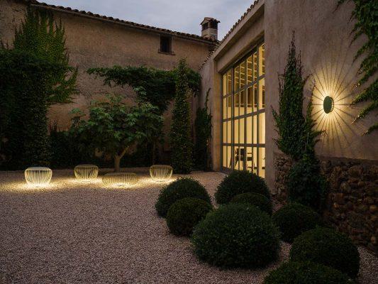 Iluminat decorativ exterior gradina casa