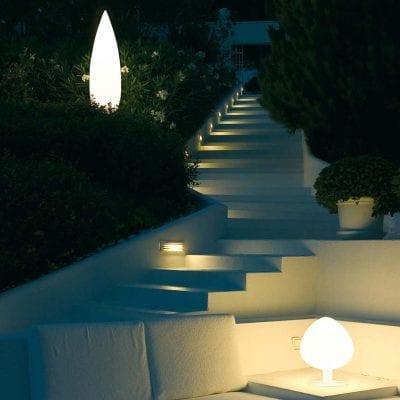 iluminat exterior cu lampadare Tree