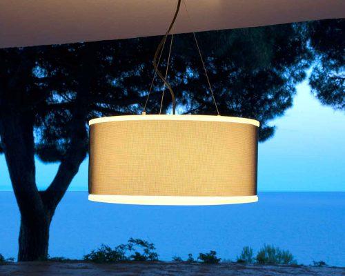lampă suspendată cu design clasic pentru extrerior