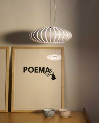 lampă suspendată cu iluminat decorativ