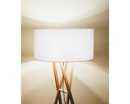 lampadar clasic pentru iluminat