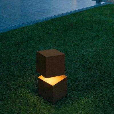 lampadar de iluminat pentru exterior