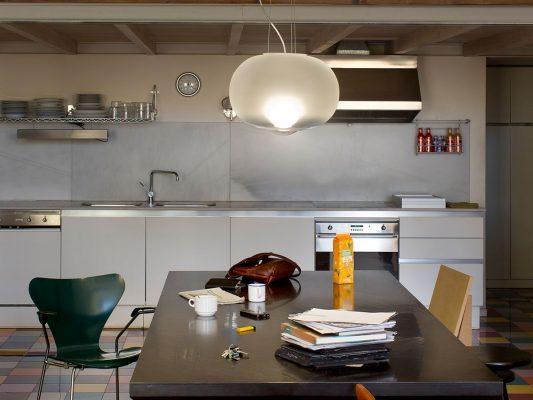 Lampi suspendate - iluminat interior, Spania.