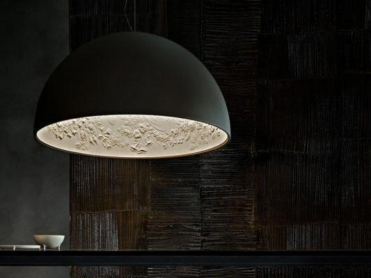 Lampi suspendate si spoturi incastrate - Flos, Italia.