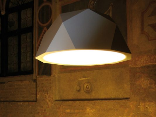 lampa suspendata corp iluminat