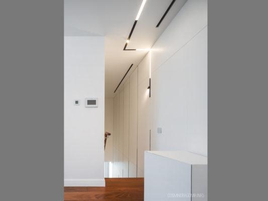 The Running Magnet, Flos - profile iluminat arhitectural rezidential.