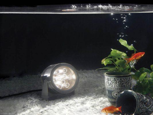 proiector subacvatic