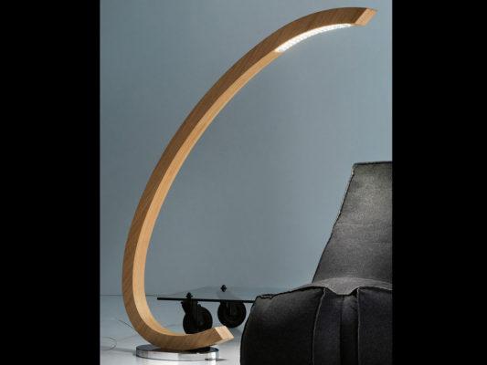 lampadar clasic lemn
