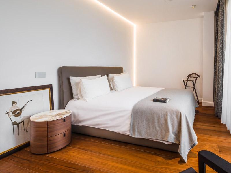 Iluminat profile led dormitor living