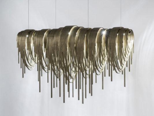 lampa suspendata din metal