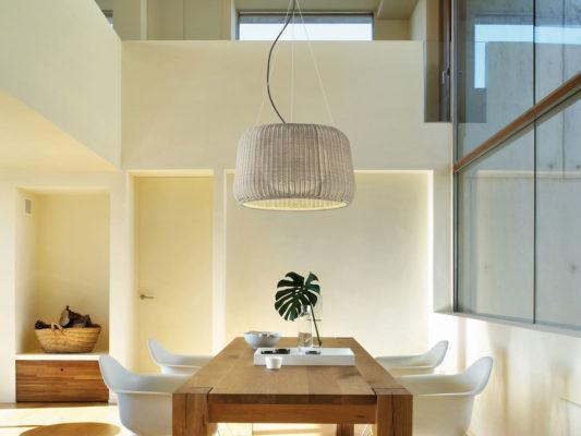 Lampi suspendate decorative pentru exterior