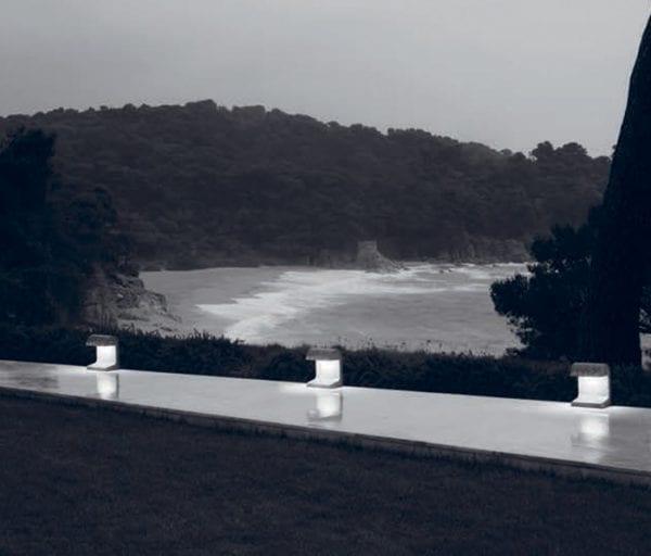 stalpisori led beton iluminat gradina flos
