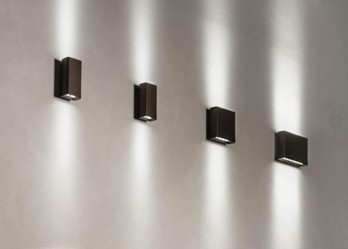 Plafoniere Led Flos : Aplice led fațade climber italia iluminat arhitectural exterior