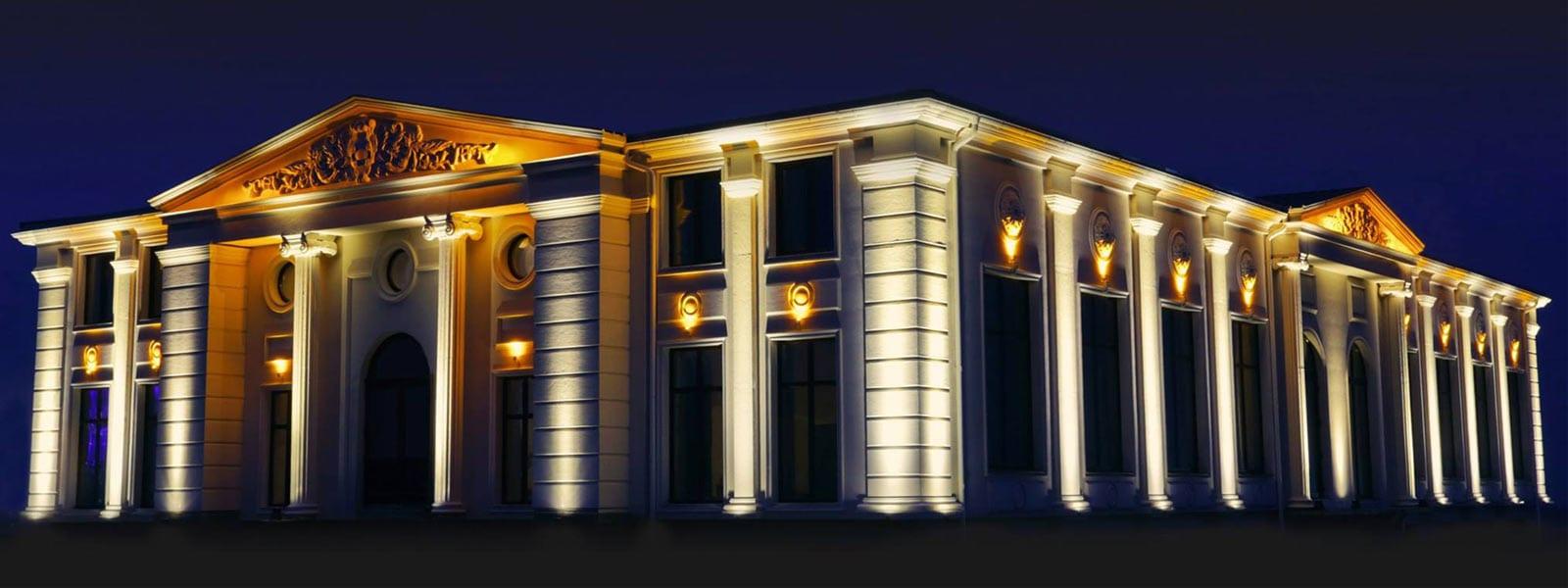 iluminat fatade cladiri arhitectura clasica