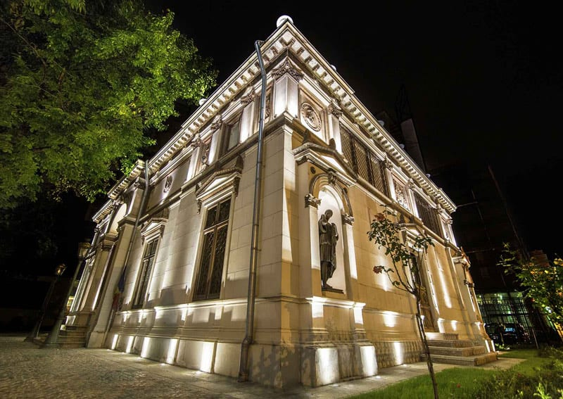 iluminat fațade muzeu - iluminat arhitectural exterior
