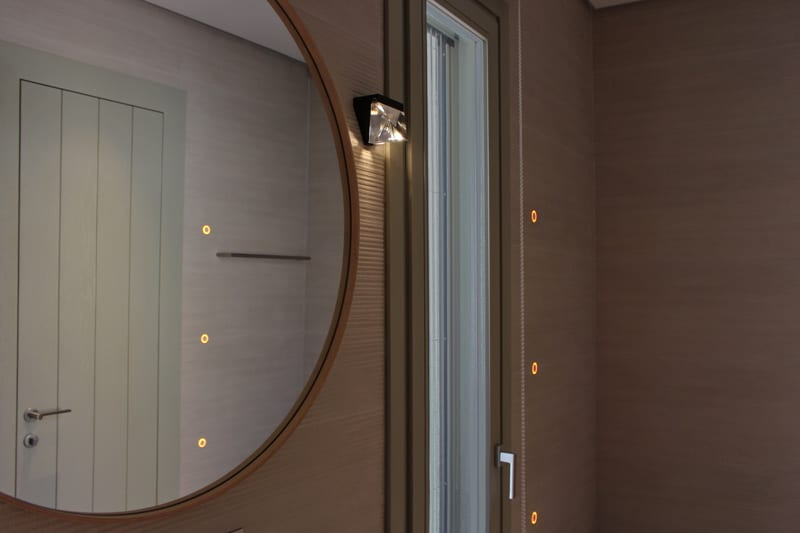 Iluminat baie - spoturi incastrate, profile led