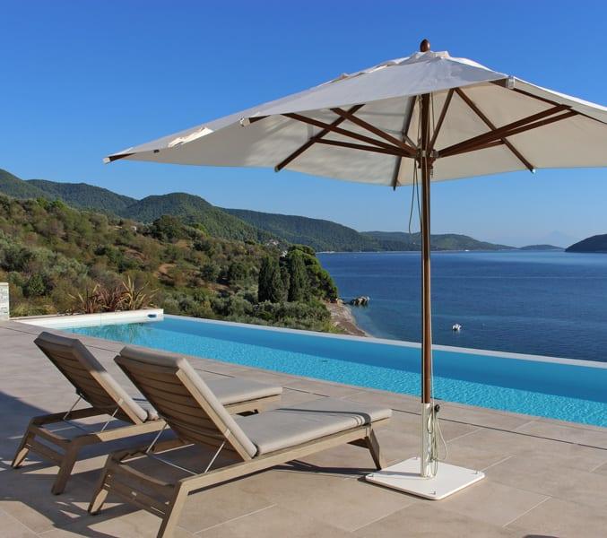Amenajare terasa piscina mobilier