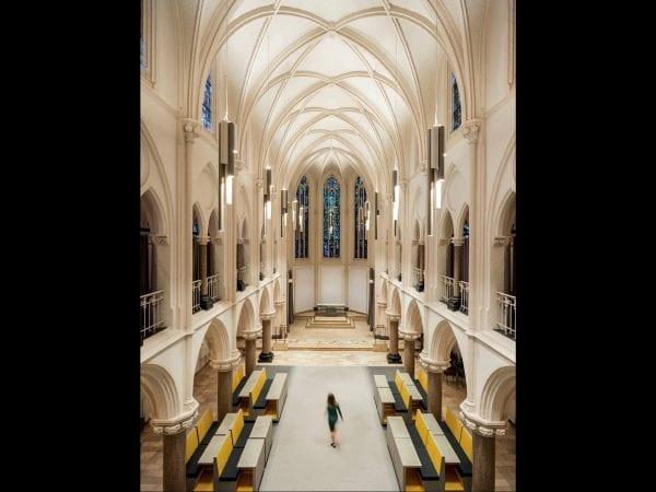 corpuri iluminat moderne biserica