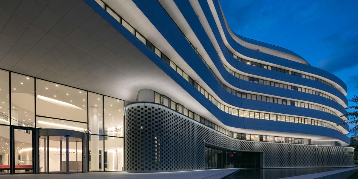 design iluminat detalii fatade Agemar Headquarters