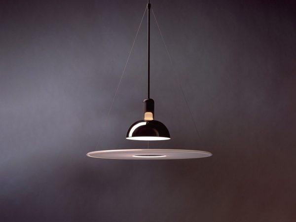 lampa suspendata masa frisbi